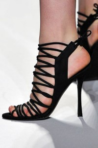 edmund-castillo-for-narciso-rodriguez-spring-2010-strappy-sandals-profile