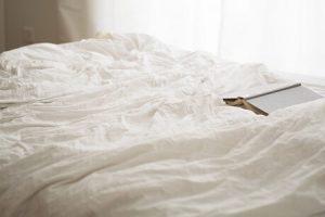 postelja poreklo značenje reči